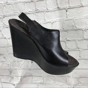 Korks clack leather wedged sandals
